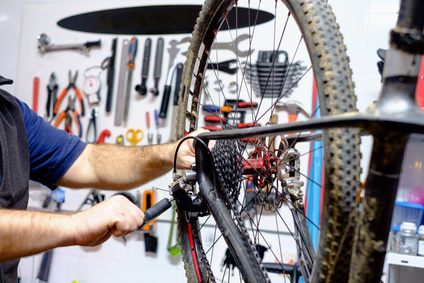 Starting a Bicycle Repair Side Business   SideHustle HQ